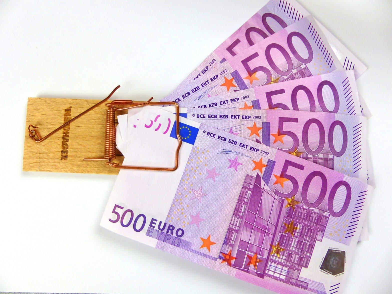 500€ Scheine in einer Mausefalle